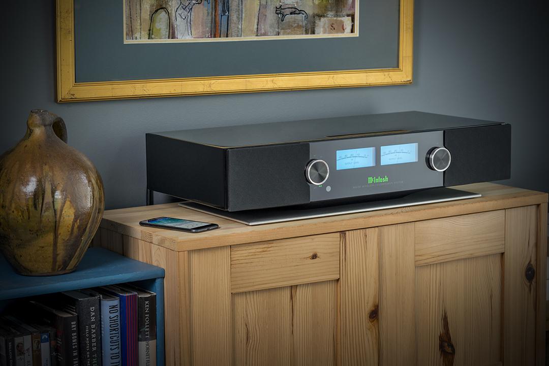 McIntosh RS200 Next generation home audio wireless speaker