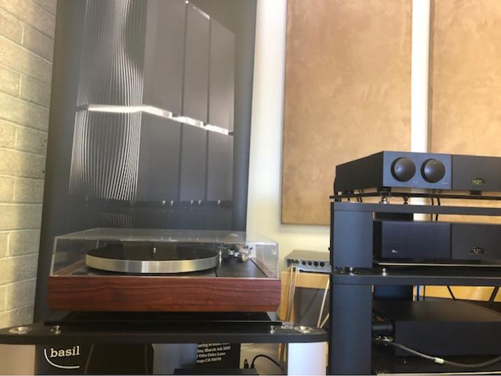 Linn LP12 turntable, Rosenut, Naim Audio